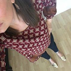 Aztec print top, dark skinnies, Stella and Dot earrings, gold sandals