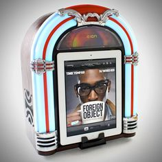 iPad Jukebox Speaker Dock