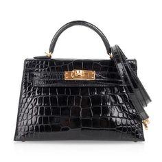 Rich with gold. Hermes Kelly Bag, Hermes Bags, Hermes Handbags, Fashion Handbags, Hermes Orange, Branded Bags, Womens Purses, Bag Sale, My Bags
