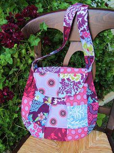 Teardrop bag in patchwork adding flap