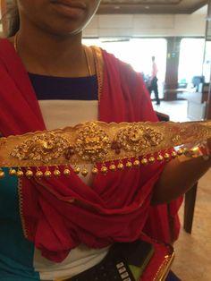 Vanki Designs Jewellery, Vaddanam Designs, Gold Jewellery Design, Gold Temple Jewellery, Saree Jewellery, Gold Designs, Gold Earrings Designs, Marriage Jewellery, South Indian Bridal Jewellery