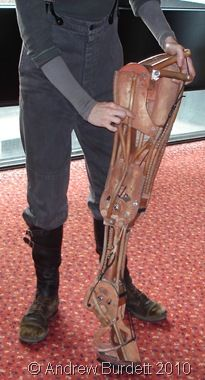 War Horse's Leg 'War Horse' by the Handspring Puppet company.  Inspiration for leg mechanism for the highland cow?