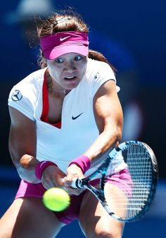 #4-Seed Na Li is the fave to win the 2014 Australian Open. She has made it to the SFs in 2010 (falling to Serena Williams), a Runner-Up in 2011 (falling to Kim Clijsters) & again finished Runner-Up in 2013 (falling to Victoria Azarenka). - 1/20/2014
