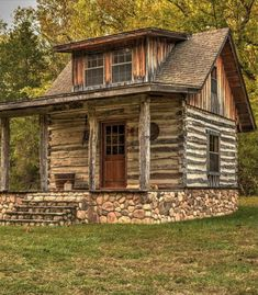 Very compact log cabin!You can find Little cabin and more on our website.Very compact log cabin! Cabins For Sale, Tiny Cabins, Tiny House Cabin, Log Cabin Homes, Cabins And Cottages, Tiny House Plans, Tiny House Design, Small Log Cabin Plans, Rustic Home Design