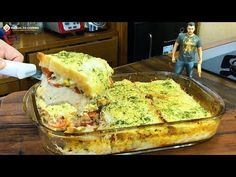 🔥LANCHE FACIL E RÁPIDO TAMANHO FAMÍLIA PARA O FERIADÃO - YouTube Avocado Toast, Quiche, Food And Drink, Pasta, Breakfast, Recipes, Tasty Food Recipes, Tapas Food, Sandwich Recipes