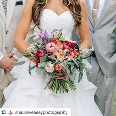 Dreaming of warm summer days and dreamy weddings on this rainy Monday morning... #Repost @shaunaveaseyphotography with @repostapp. ・・・ A bouquet for the WIN!! With pops of color and wispy greenery, this summery gathering of florals will make anyone's heart skip a beat. Leslie over at @southernstems is unbelievably talented and so much fun to work with. Katie, this bouquet is a perfect reflection of you!! #shaunaveaseyphotography #everafteredmonds