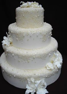 Schedule of cake designers may be limited at the pastry shop of your option. An … - Vegan Wedding Cake White Wedding Cakes, Elegant Wedding Cakes, Beautiful Wedding Cakes, Gorgeous Cakes, Wedding Cake Designs, Pretty Cakes, Wedding Cake Toppers, Amazing Cakes, Elegant Cakes