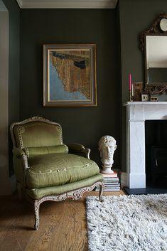 Minimalist Home Interior .Minimalist Home Interior Olive Bedroom, Bedroom Green, Bedroom Decor, Black Bedrooms, Olive Green Rooms, Olive Green Decor, Home Design, Interior Design, Luxury Interior