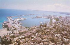 Puerto de Alicante con el desaparecido edificio de la Comandancia de Marina