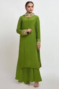 Mehandi Green Hand Embroidered Gota Patti Work Suit with Dupatta Kurta Designs, Kurti Designs Party Wear, Indian Designer Outfits, Indian Outfits, Designer Dresses, Simple Indian Suits, Embroidery Suits Punjabi, Embroidery Dress, Choli Dress