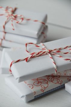 perfectly simple Christmas wrapping