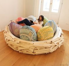 The Giant Birdsnest Bed Evolves Into A Formidable Piece of Furniture. | http://www.ifitshipitshere.com/giant-birdsnest-bed-evolves-formidable-piece-furniture/