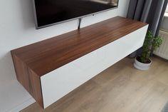 Edge 150 - Zwevend tv meubel met 1 klepdeur