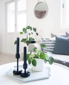 Livingroom details  - #boligpluss #interior123 #interior4all #interiorforyou #bobedre #boligplussminstil #interiørmagasinet #room123 #roomforinspo #immyandindi #livingroomdetails #livingroom #haykaleido #haydesign #elefantøre #iittala #nappula #strapmirror #normanncopenhagen Candle Holders, Vase, Candles, Living Room, Bed, Instagram Posts, Home Decor, Ideas, Gardens