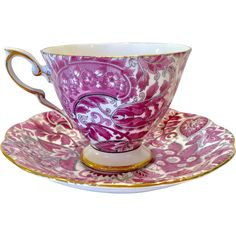 Royal Standard Bone China created their popular #1445 Paisley Chintz in pink for this Teacup and Saucer! The all-over pink paisley chintz motif is a