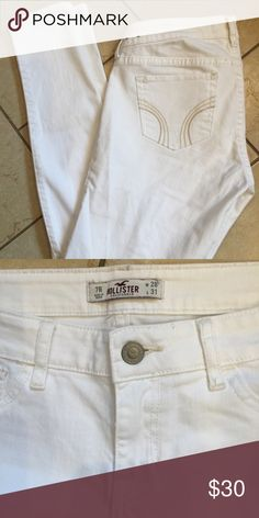 "Hollister white skinny jeans Hollister white skinny jeans, size 7 regular, waist 28"", length 31"", comes from smoke free home. Hollister Jeans Skinny"