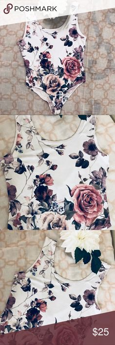 👙Charlotte Russe white floral body suit (D23) Adorable body suit by Charlotte Russe Charlotte Russe Other