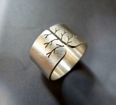 Silver tree ring, autumn tree ring, wide band ring, metalwork jewelry, statement ring, minimalist by Mirma on Etsy