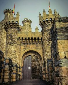 Ponferrada Gate by cheese6623.deviantart.com on @DeviantArt
