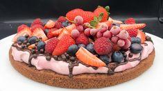 Foto: Marit Hegle Scandinavian Kitchen, Dessert Recipes, Desserts, Cake Cookies, Chocolate Cake, Acai Bowl, Cravings, Waffles, Food And Drink