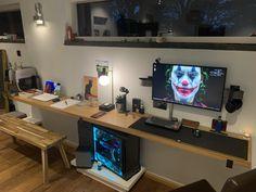 A few Changes! Still no second screen. welcome to creative suggestions! Laptop Gaming Setup, Computer Setup, Pc Setup, Desk Setup, Unique Desks, Desk Inspiration, Home Office Setup, Game Room Decor, Gamer Room