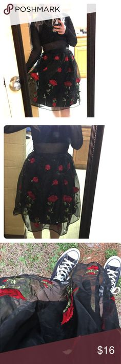 Forever 21 roses skirt Bought for a photo shoot but it's too small on my waste so I'm not able to wear it for anything else. I can't zip the top bit on my waist rn. Forever 21 Skirts Midi