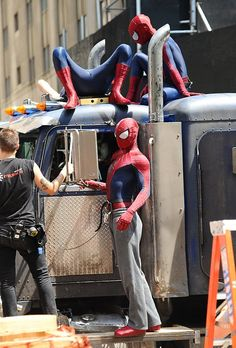"Celebrity Sightings In New York City - June 22, 2013 Andrew Garfield (C), his stunt double William Spencer (R) and a second stunt double are seen on set of ""The Amazing Spider-Man 2"" on June 22, 2013 in New York City."