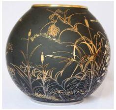 Ceramic Pitcher, Ceramic Bowls, Ceramic Pottery, Pottery Art, Fine Porcelain, Porcelain Ceramics, Keramik Vase, Painted Vases, Pottery Designs