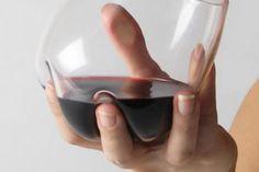 Koccintsunk a legdesignosabb poharakkal - itt a 10 legötletesebb darab!,  #ajándék #dekoratív #felespohár #festett #humoros #ital #koccintás #névnap #ötletes #otthon24 #pohár #színes #szórakoztató #szülinap #törékeny #ünnep #üveg #vicces, http://www.otthon24.hu/koccintsunk-a-legdesignosabb-poharakkal-itt-a-10-legotletesebb-darab/