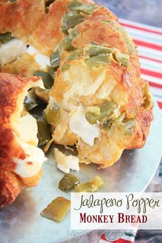 Jalapeno Popper Monkey Bread: This shop has been compensated by Collective Bias, Inc. and its advertiser. All opinions are mine alone. This Jalapeno Popper Monkey Bread is the perfect holiday party food recipe! Spicy jalapenos, cheddar cheese, and Jalapeno Poppers, Jalapeno Popper Recipes, Great Appetizers, Appetizer Recipes, Scones, Bread Recipes, Cooking Recipes, Pan Cooking, Bacon Recipes