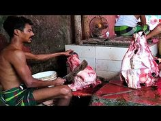 Two Cow Head Chopping in Meat Market | Mirpur Bazar Cow Head Processing ...