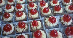 11.abr.2013 - bolinho individual feito de manteiga e recheado de doce de leite, da Louzieh Doces Finos (www.louziehdoces.com.br); por R$ 18 (unidade). Preço consultado em abril de 2013 na feira Casar e sujeito a alterações