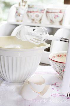 Miska z dzióbkiem od duńskiej firmy IB Laursen. Piękna ! http://www.smukke.pl/pl/p/MISKA-Z-DZIOBKIEM-BIALA/441