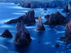 Sea stacks and cliffs of the Outer Hebrides...... shows how Scotland was forged over the ages......... — at Mangersta, Isle of Lewis.