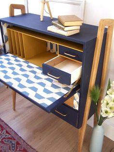 Armoire Makeover, Furniture Makeover, Painting Laminate Furniture, Painted Furniture, Upcycled Furniture, Diy Furniture, Craft Room Design, Simple Desk, Space Saving Furniture