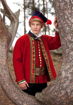 Folk costume from Sunnfjord, reconstructed from folk dress.