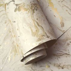 This Minerals Azurite Marble wallpaper features a marble swirl pattern in tones of beige and cream with a matte finish, accented with metallic gold highlights Teal Marble Wallpaper, Paper Wallpaper, Swirl Pattern, Marble Pattern, Tapete Beige, Bronze Makeup, Pattern Matching, Gold Highlights, Beige Background