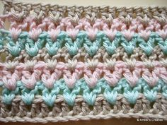 V-stitch (pattern) on Ambers Creaties Learn To Crochet, Diy Crochet, Crochet Crafts, Crochet Baby, Crochet Projects, Crochet Borders, Crochet Stitches Patterns, Crochet Squares, Stitch Patterns