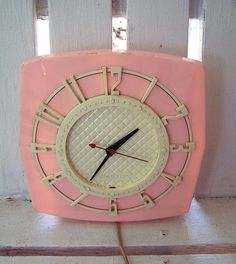 Pink Clock that would make me so happy to wake up to every morning...