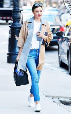 Miranda Kerr is casual chic in this neutral outfit.