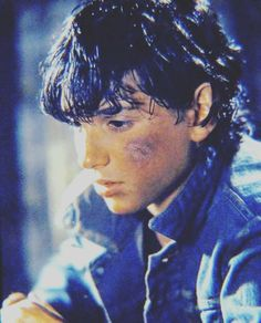 Johnny is my favorite ❤❤ The Outsiders Preferences, The Outsiders Imagines, The Outsiders Johnny, Karate Kid Cobra Kai, Ralph Macchio, The Sandlot, Aesthetic People, Cute Guys, My Soulmate