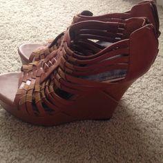 Gianni Bini brown wedges size 10 never worn Gianni Bini brown wedges size 10 never worn Gianni Bini Shoes Wedges