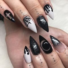 Adding some glitter nail art designs to your repertoire can glam up your style within a few hours. Check our fav Glitter Nail Art Designs and get inspired! Goth Nail Art, Dark Nail Art, Glitter Nail Art, Pastel Goth Nails, Nail Art Designs, Holiday Nail Designs, Holiday Nails, Nail Art Halloween, Halloween Nail Designs
