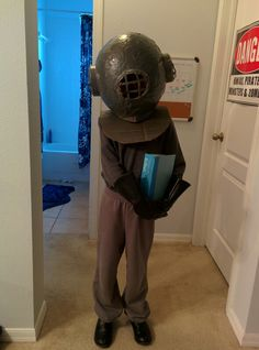 Deep sea diver costume, 20000 leagues under the sea, diy kids costume