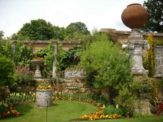 Ronny is telling you:'Hever Garden'