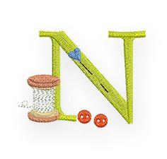 De letter N mag in ons naai-alfabet natuurlijk niet ontbreken! Een belangrijke letter voor alle N - aaisters onder ons!  Tatjana heeft de letter speciaal voor jullie gedigitaliseerd:  De downloadlink met de verschillende formaten en kleuroverzicht vind je hier:  Naai-ABC-N  Veel plezier bij het borduren!