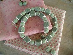 Blokjes/bolletjes met porselein in mintgroen