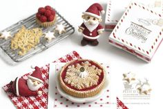 Winter Flake Christmas Cranberry Pie in 1/12th by PetitDlicious