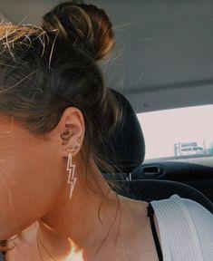 Heart Shaped Diamond Stud Earrings, Raw Diamond and Gold Fill Jewelry, Aries Zodiac Birthday Gift, April Birthstone Earrings, Rough Gems - Fine Jewelry Ideas Ear Jewelry, Cute Jewelry, Jewelry Accessories, Jewelry Shop, Fashion Jewelry, Jewelry Ideas, Smiley Piercing, Cute Ear Piercings, Bijou Brigitte
