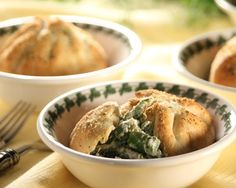 Nothing says Spring quite like tender spears of asparagus. Combine them with a cheesy sauce in little bread bundles, and they are sure to be a hit for mom this Mother's Day.